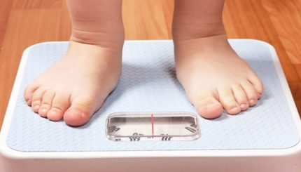childhood obesity a weighty issue 430x245 - وزن مناسب کودک سالم