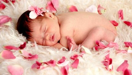 photographer newborn 1 1 430x245 - خواب نوزادان، تفاوت با بزرگسالان