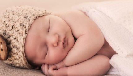 Baby Sleep consultant 430x245 - تغذیه مناسب قبل از بارداری، زیبا شدن بچه